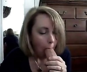 Blonde do a great blowjob...