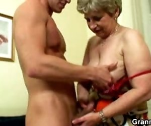 Lonely granny gets fucked...