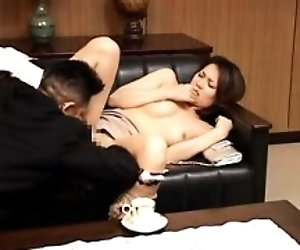 Pretty Asian babe gets her...